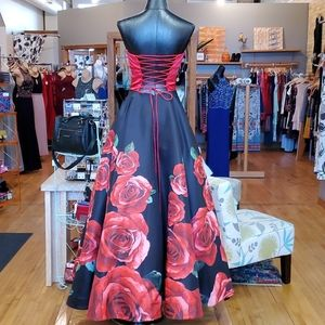Sherri Hill Dresses - Sherri Hill Red and Black Floral Prom Dress